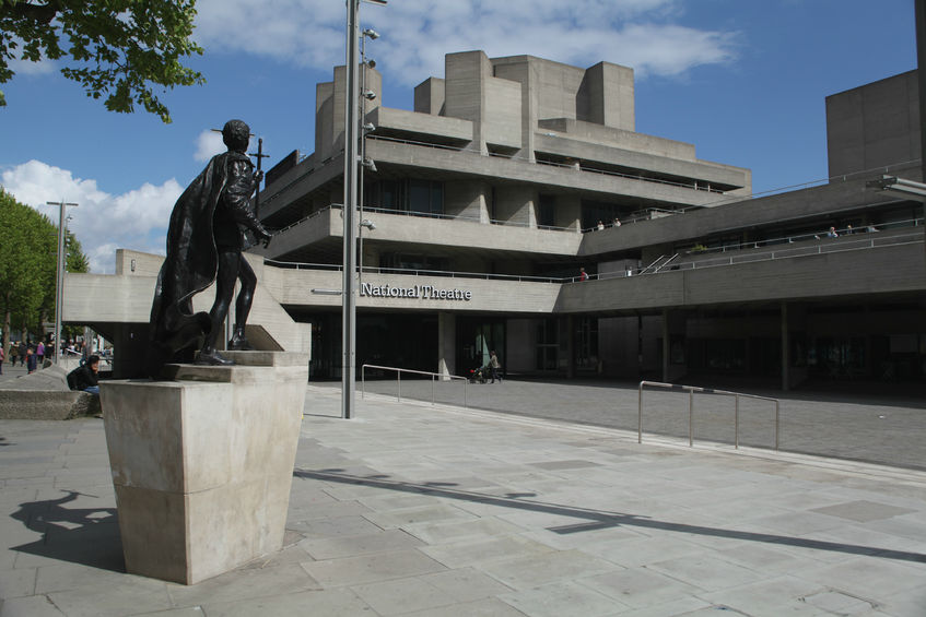 Laurence Olivier at the National Theatre. A story of feedback.